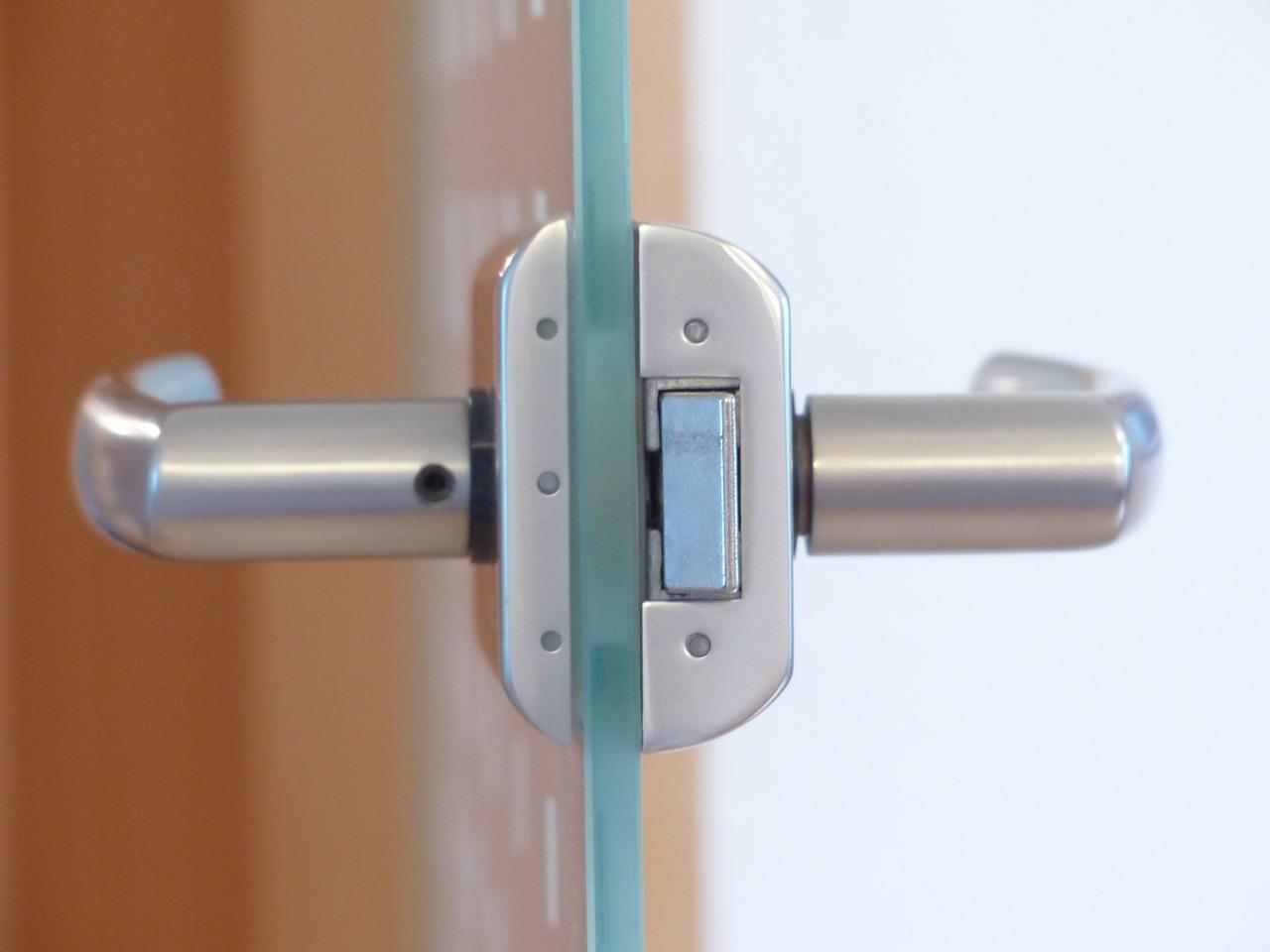 Comment s'y prendre pour poser un bloc-porte ?